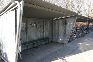 Buswartehalle-Bahnhof